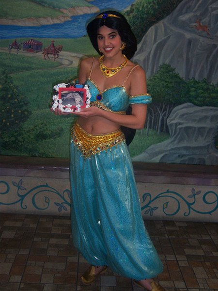 How-to-Make-a-Jasmine-Costume