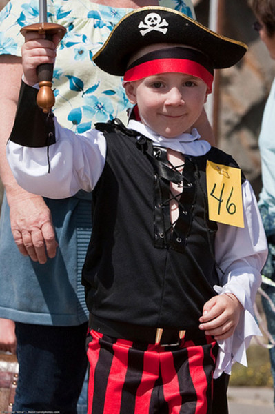 How-to-Make-a-Pirate-Costume