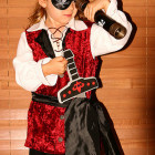 How to Make a Girl's Pirate Costumes