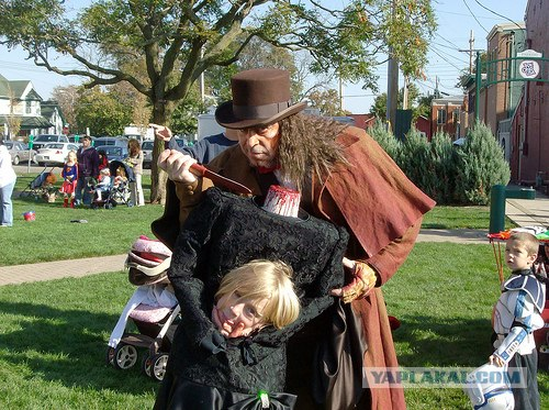 Jack-the-Ripper-and-Headless-Woman-Costumes