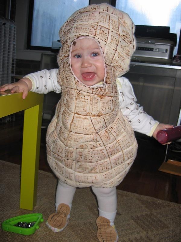 Peanut-Costume