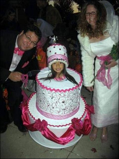Wedding-Cake-Costume
