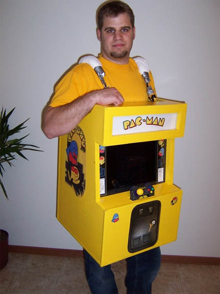 homemade-pacman-arcade-costume