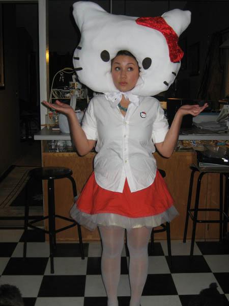 homemade-hello-kitty-costume