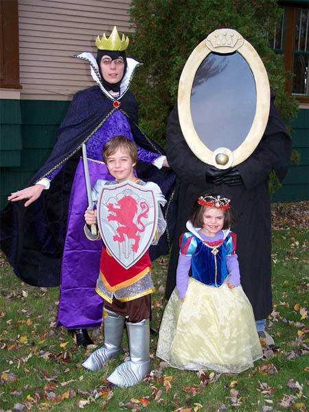 snow-white-group-costume