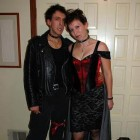 gothic-vampires-couple-costume