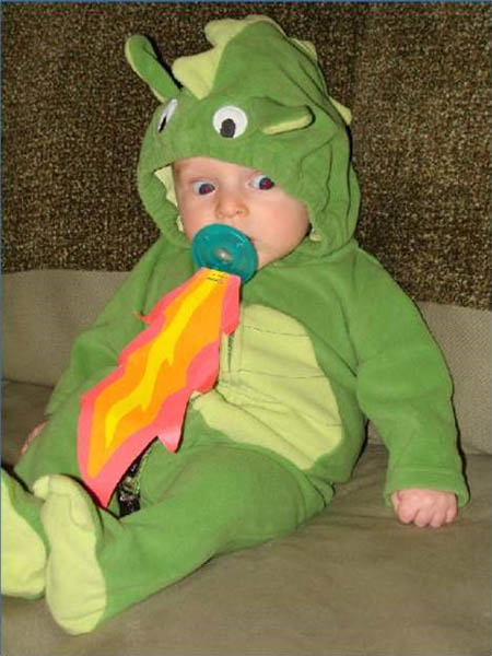 baby-fire-breathing-dragon-costume