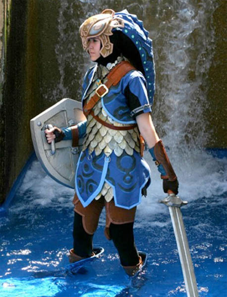 This elaborate Zora suit Link costume from Zelda ... & Zora Suit Link Zelda Costumes   Costume Pop