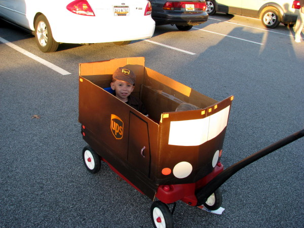 ups man with big brown truck costumes - Ups Man Halloween Costume