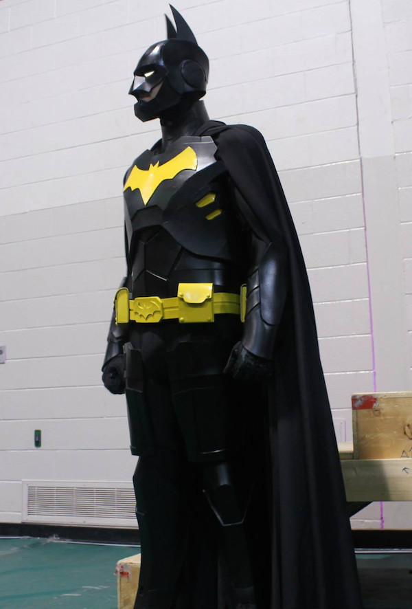 Armored Batman Cosplay - Costume Pop