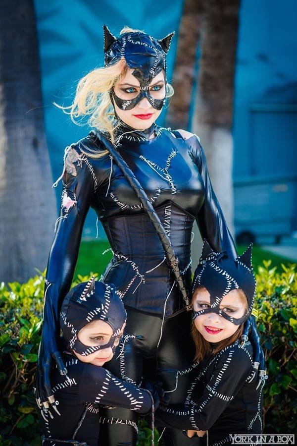 Catwoman Cosplay - CostumePop