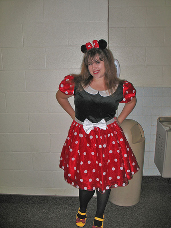 How-to-Make-a-Minnie-Mouse-Costume