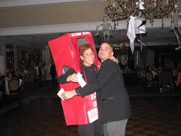Kissing-Booth-Costume