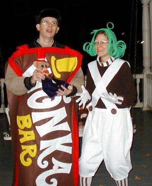 Wonka-Bar-and-Oompa-Loompa-Costumes